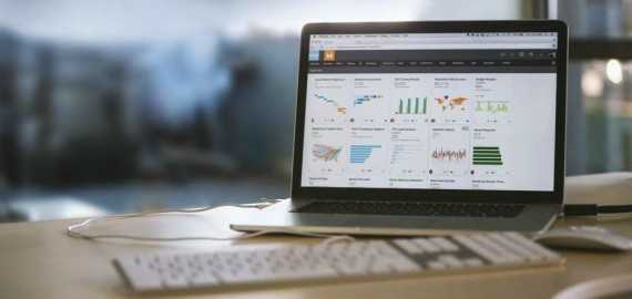 Business Analytics and Social Dashboards